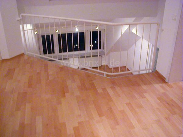 parkett und laminat. Black Bedroom Furniture Sets. Home Design Ideas